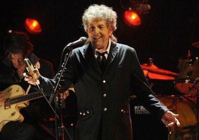 Bob Dylan alla fine cede: ritirerà il premio Nobel questo fine settimana
