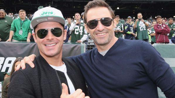 Hugh Jackman eroe non solo al cinema, sul set ha salvato Zac Efron dalle fiamme