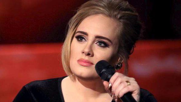 Auguri Adele: 29 anni e 40 milioni di album venduti