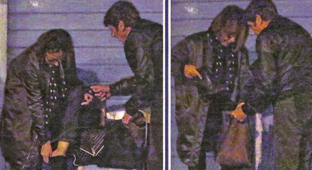 """Gianni Morandi """"cavaliere"""": la moglie Anna Dan ha male alle scarpe, lui porge il cambio"""