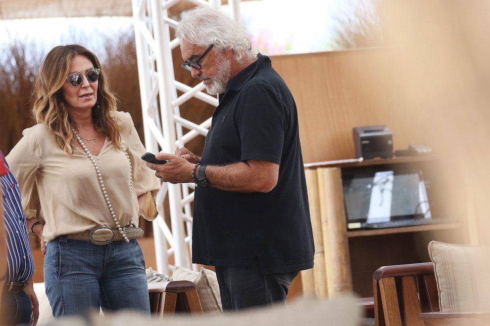 Flavio Briatore e Daniela Santanchè di nuovo insieme, aperitivo sotto al sole al Twiga