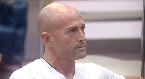 'Raz e` strano e l'amore con Paola e`...', la confessione di Stefano Bettarini dopo L'Isola dei famosi