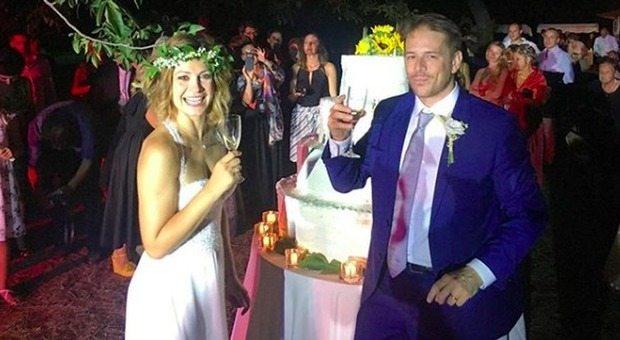 """Filippo e Arianna di """"Un posto al sole"""" sposi: l'amore nato sul set, il matrimonio nella realtà"""