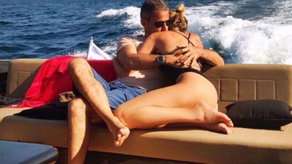 Alessia Marcuzzi affonda le voci di crisi con Paolo