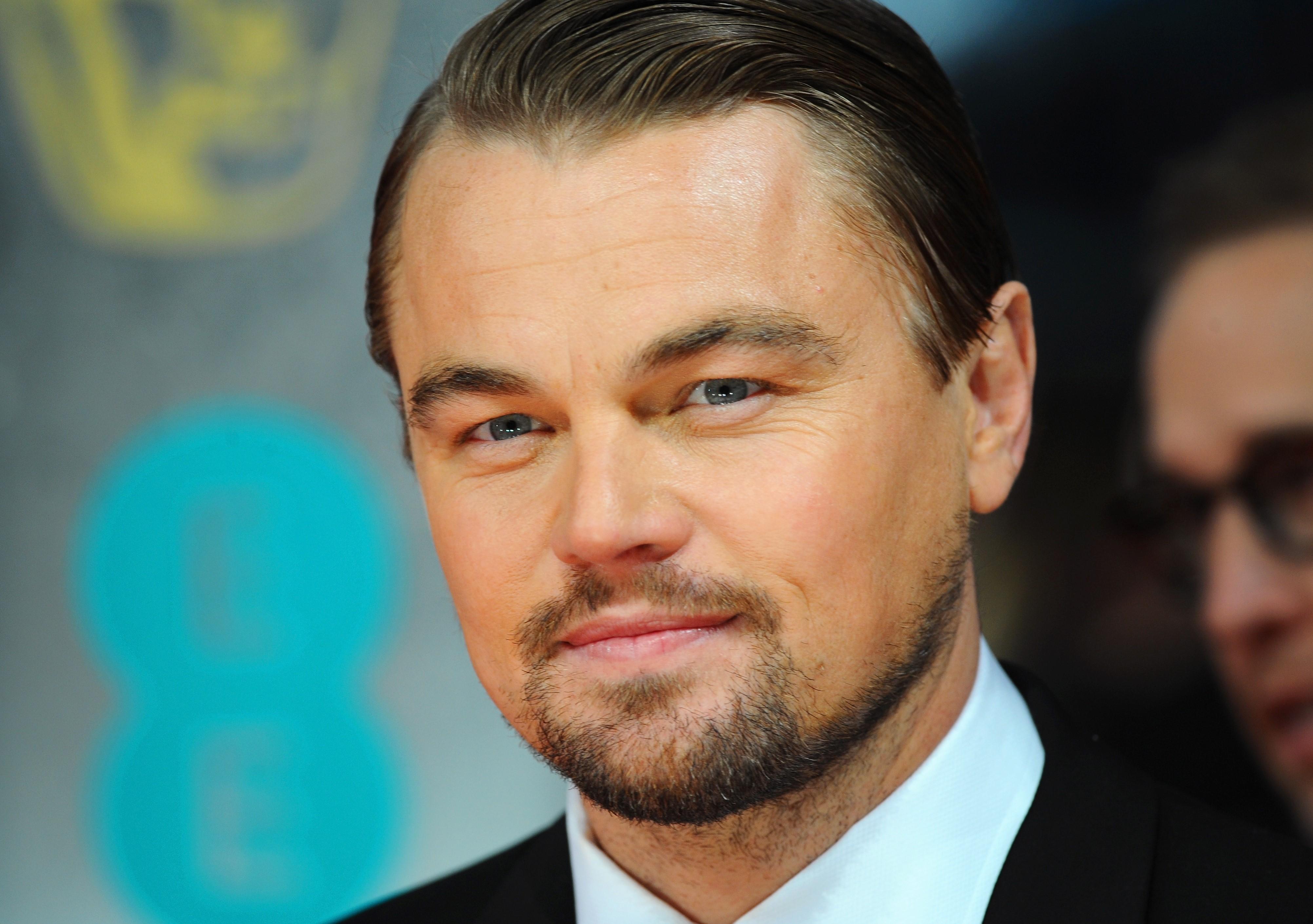 Di Caprio e Bullock, star dal cuore d?oro: 1 milione di dollari per le vittime di Harvey
