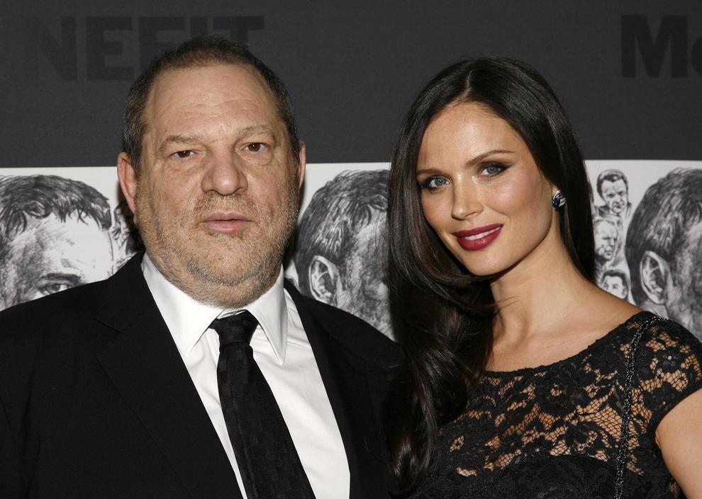 """Weinstein lasciato dalla moglie: """"Le sue azioni sono imperdonabili, ho il cuore a pezzi"""""""