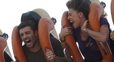 Belen Rodriguez e Andrea Iannone, giostre pazze a Gardaland con Santiago