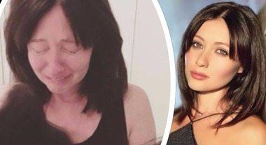 """Shannen Doherty in lacrime: Brenda di """"Beverly Hills"""" simbolo della lotta contro il cancro"""