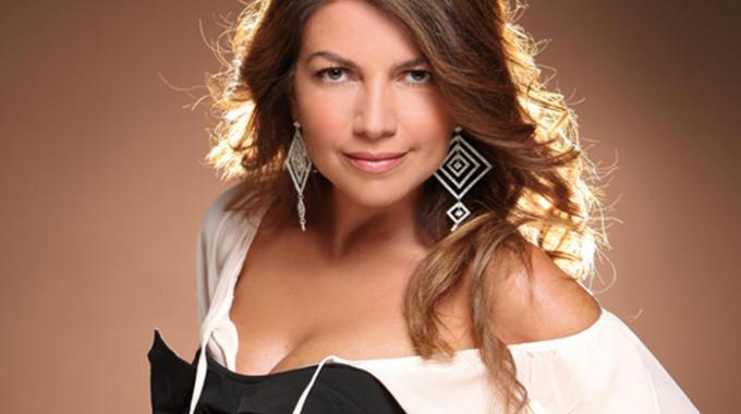 """Cristina D?Avena duetta con 16 big della canzone nel nuovo album """"Duets"""""""