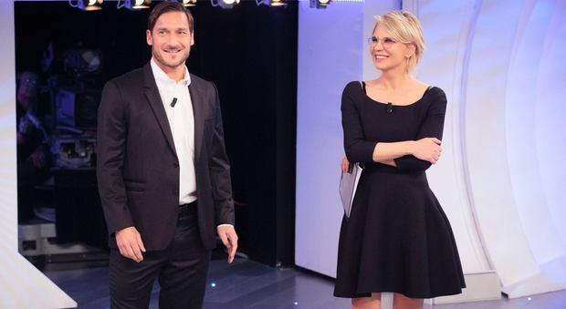 C'è posta per te, Francesco Totti e Giorgia ospiti della sesta puntata