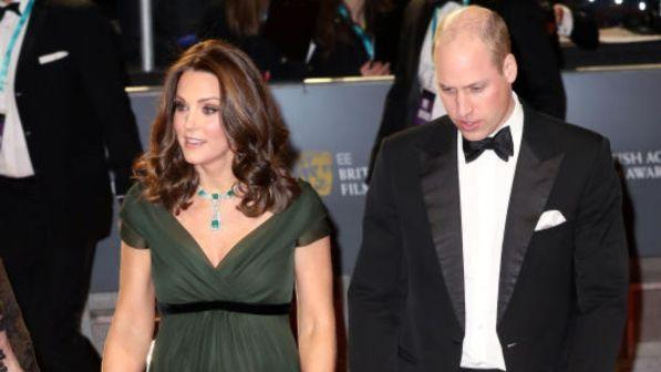 Kate Middleton incanta sul red carpet con William