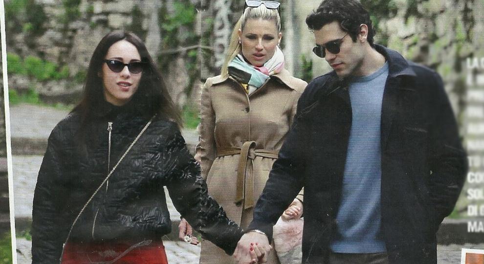 Aurora Ramazzotti e Goffredo Cerza, amore in famiglia: passeggiata nel parco con Michelle Hunziker, Tomaso e le sorelline