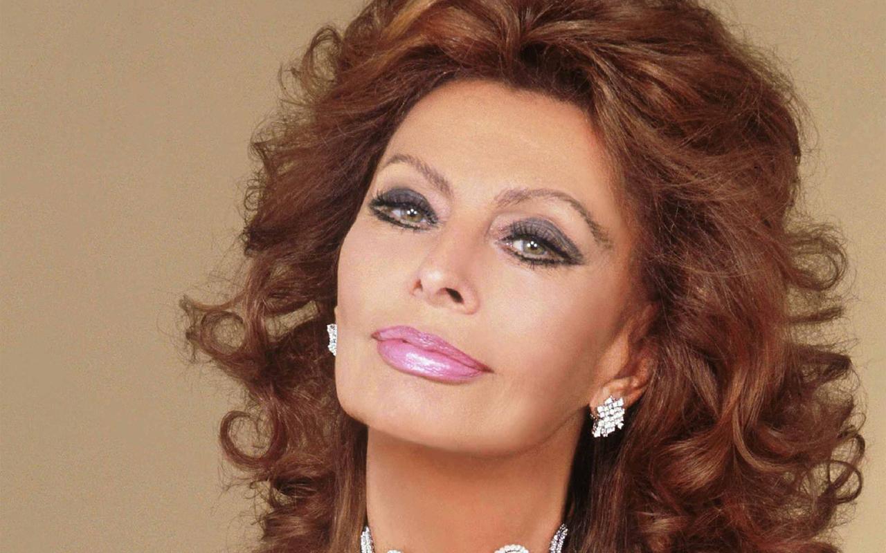 Amici 17, Sophia Loren super ospite del serale di domenica