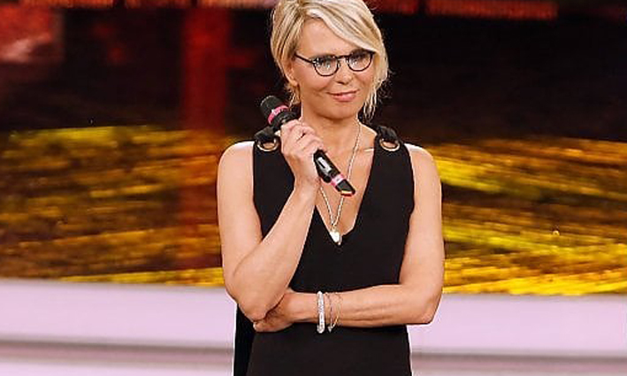 Tu si que vales! in alto mare dopo l'addio di Mara Venier: «No di Sabrina Ferilli e ipotesi Cannavacciuolo»