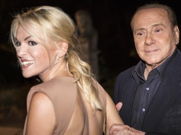 Silvio 80, tutto Berlusconi: auguri di amici e nemici, frasi, sfottò e oggetti celebri