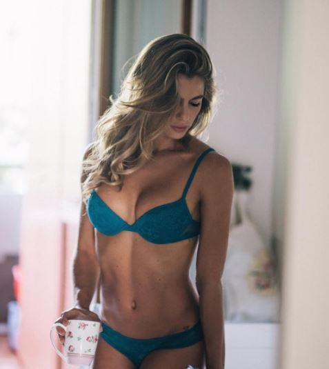 Cristina Marino, sideboob non solo per Argentero