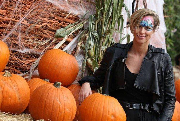 Federica Pellegrini, total black per Halloween