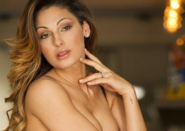 Anna Tatangelo, i primi 30 anni tra musica e bellezza