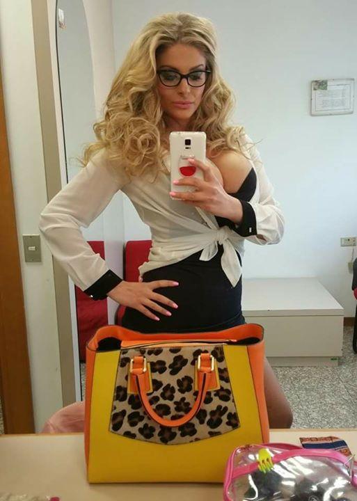"""Francesca Cipriani, troppo Photoshop?: """"Sul social è """"spianata""""..."""""""