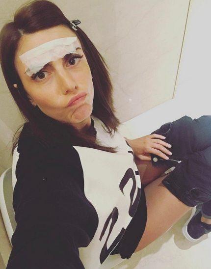 Selfie sul wc, lady Bonucci fa il bis e rilancia:
