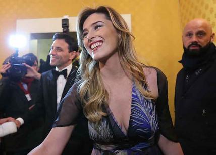 """""""Boschi chiese a Unicredit di comprare Banca Etruria"""". M5S e Salvini: """"Si dimetta"""". Lei: """"È fango"""""""