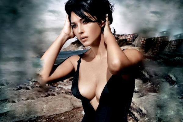 Monica Bellucci bella come non mai: supersexy a 52 anni