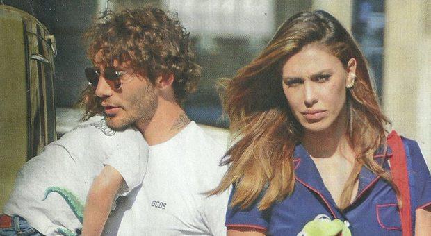 Belen Rodriguez e Stefano De Martino, musi lunghi con Santiago prima della partenza