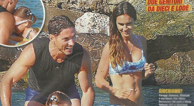 Silvia Toffanin e Pier Silvio Berlusconi, vacanze al mare con i figli