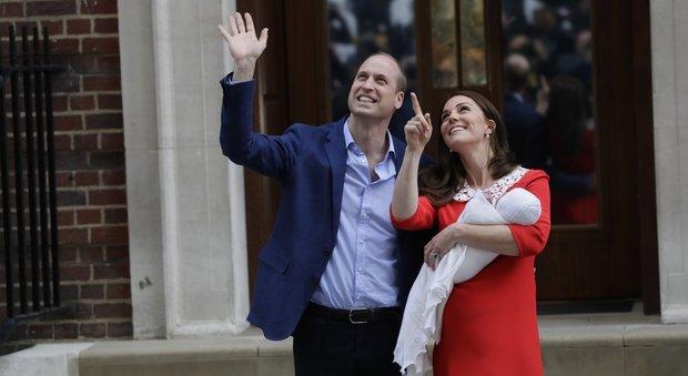 Nato il terzo Royal Baby: è un maschio, il quinto in linea di successione. Will e Kate hanno già lasciato l'ospedale
