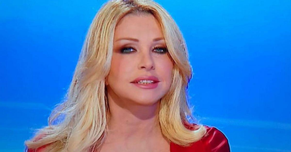 Paola Ferrari: «E ora il calcio va in vacanza...colpa di Ventura, una sciagura. Spero cambi mestiere»