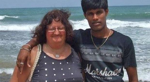 Gb, a 60 anni sposa un 26enne e gli compra una casa, ma il ragazzo viene ucciso