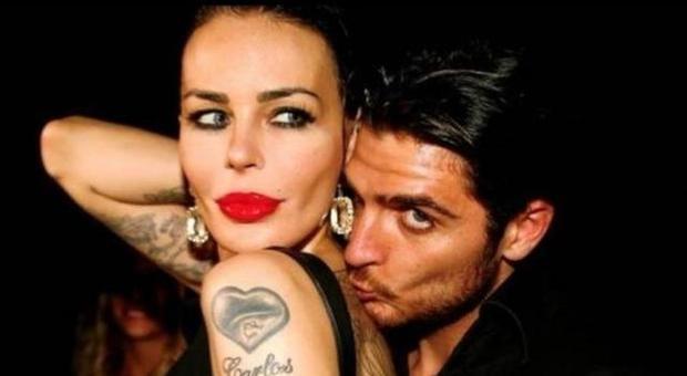 Luigi Favoloso, pesante battuta su Selvaggia Lucarelli e Corona: la reazione di Nina Moric