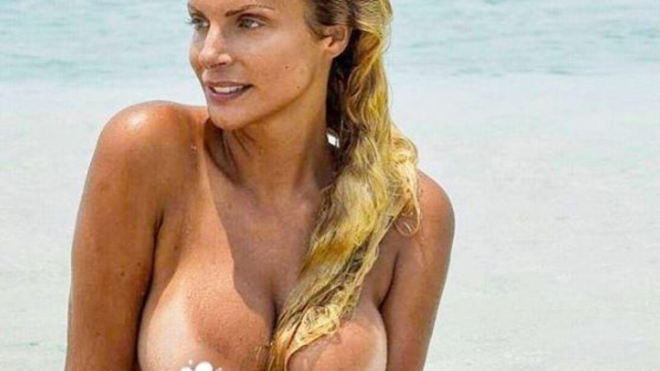 Francesca Cipriani, il topless esplosivo infiamma l?estate