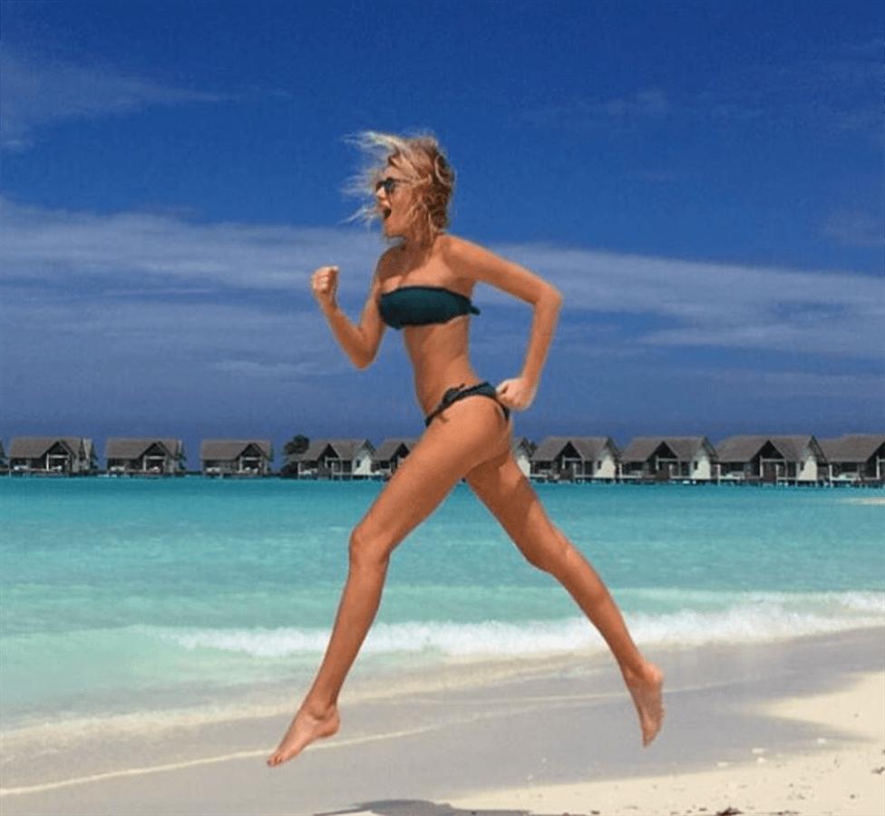Alessia Marcuzzi, vacanze sotto il sole alle Maldive col marito Paolo Calabresi
