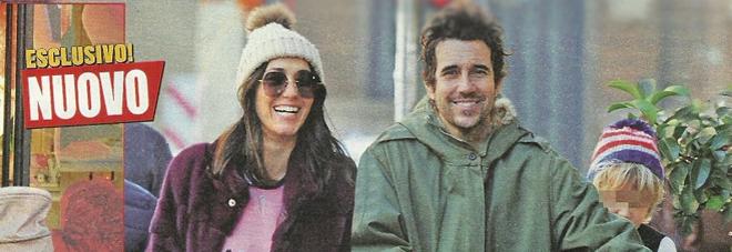 Caterina Balivo mamma al settimo cielo: passeggiata col marito e i figli Guido Brera e Cora