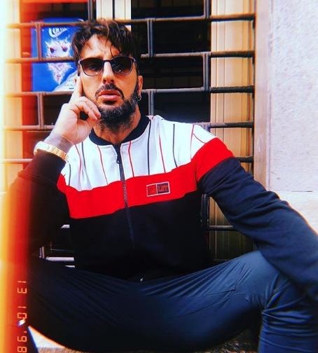Fabrizio Corona, l'attacco choc a Ilary Blasi: «Non mi ha voluto invitare al Gf Vip. Forse si spaventa...»