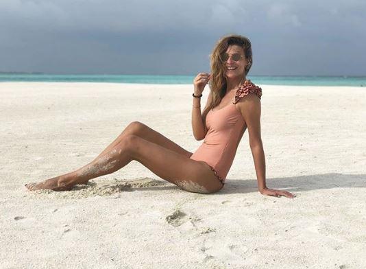 Cristina Chiabotto festeggia un anno d?amore alle Maldive