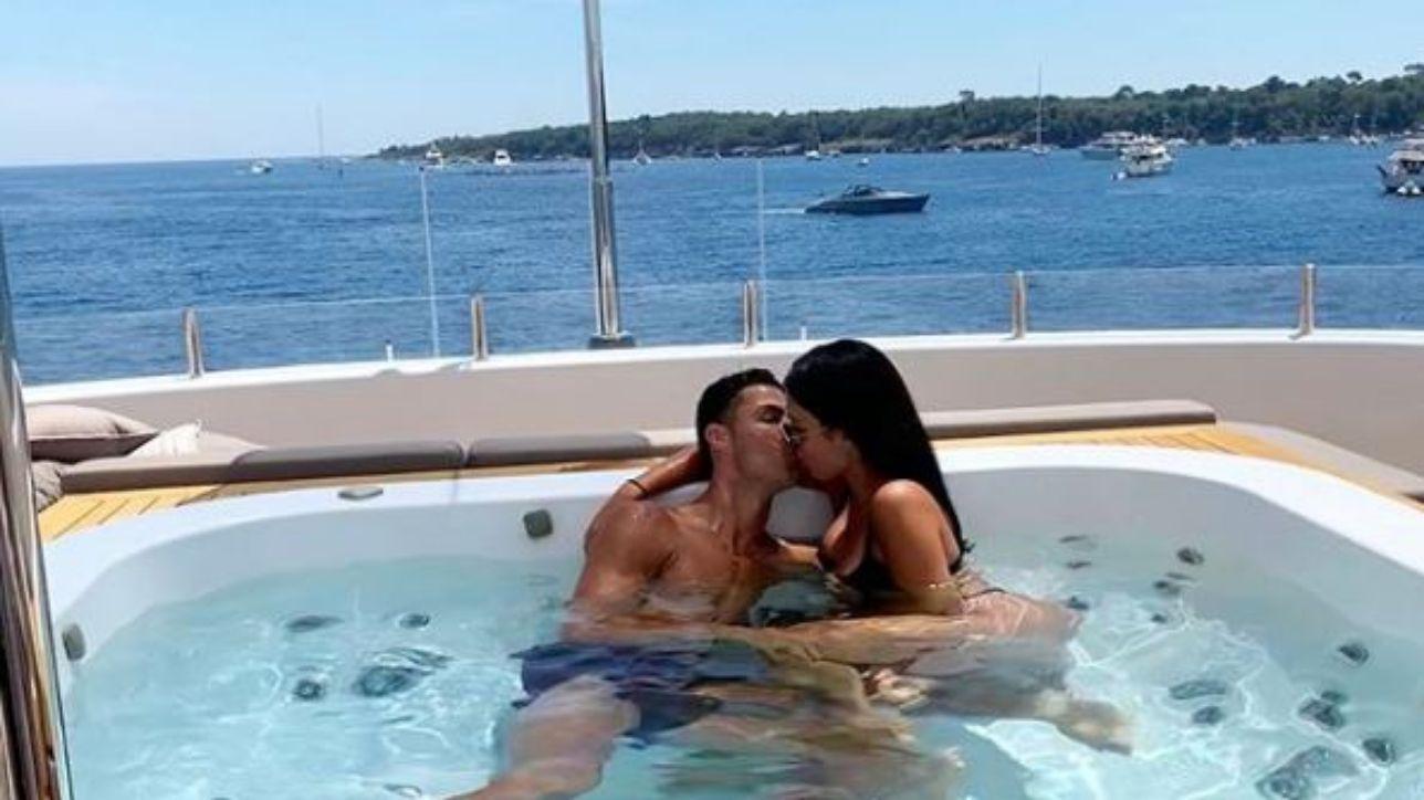 Georgina Rodriguez in barca fa impazzire Ronaldo e... milioni di fan