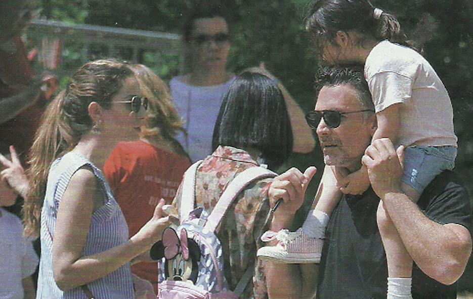 Raoul Bova e Rocio Munoz Morales, pomeriggio al parco con la figlia Luna