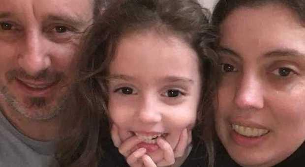 Papà Giuseppe e la figlia Nicole bruciati vivi in auto, il dramma della moglie: «Ha provato a salvarli andando incontro alla moglie»