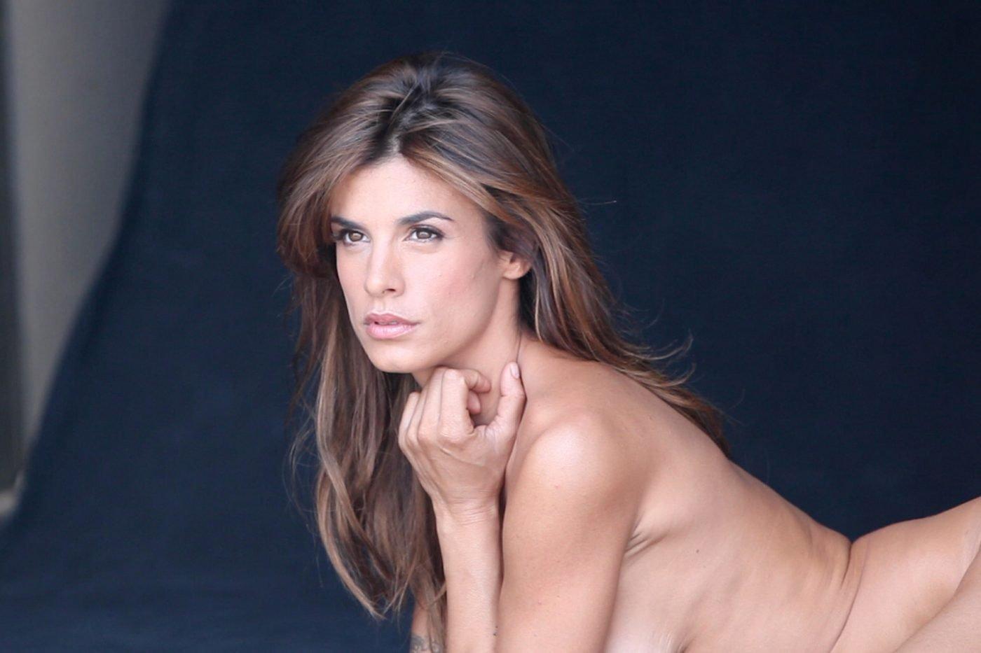 Piede deformato per Elisabetta Canalis? La stranezza notata dai fan della showgirl