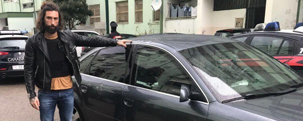 Striscia la notizia, Brumotti aggredito nella piazza dello spaccio di Napoli