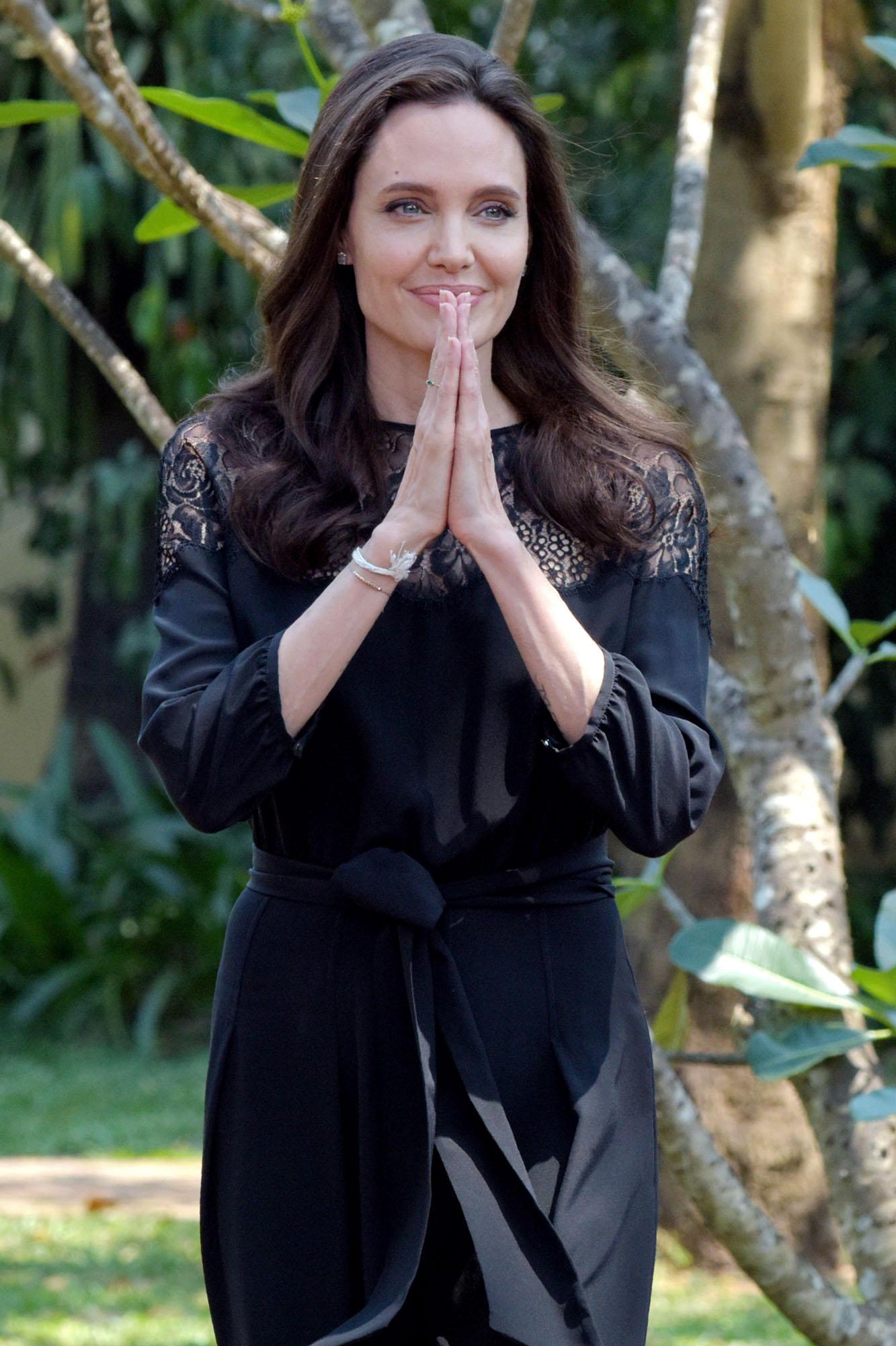 Angelina Jolie in lacrime: