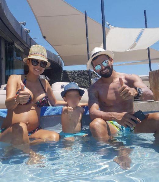 Rincón e famiglia, guarda gli scatti sul bagnasciuga a Mykonos