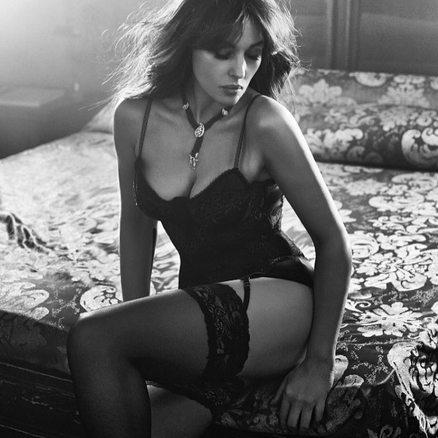 Monica Bellucci bella come non mai: in forma perfetta a 52 anni