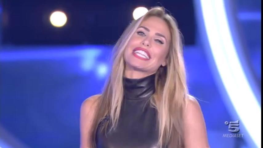 """""""Grande Fratello Vip"""": Carla è eliminata, in nomination Lorenzo e Serena"""