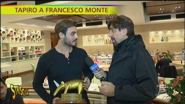 Striscia la Notizia: Francesco Monte riceve un Tapiro molto particolare