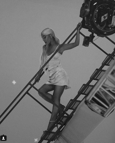 Ariana Grande, dopo la tragedia di Manchester è tempo di nuova musica