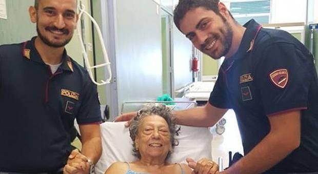 Palermo, anziana ha un'emorragia grave in casa: salvata da due giovani poliziotti