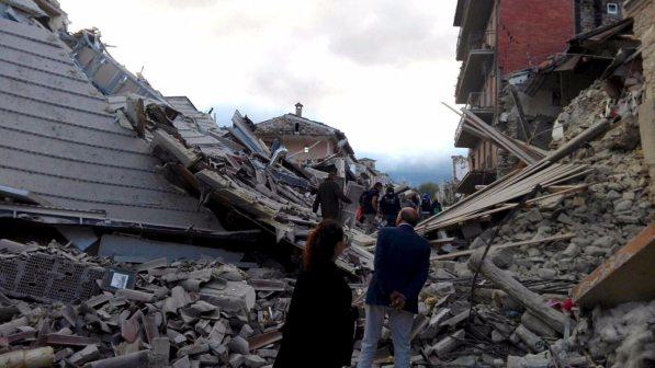 Nuova scossa di terremoto ad Amatrice nella notte . Scivola di 10 centimetri un versante del Monte Vittore